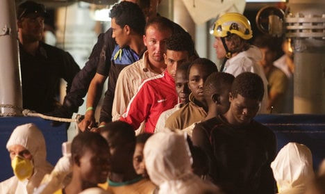 Over 1,800 migrants rescued from six boats