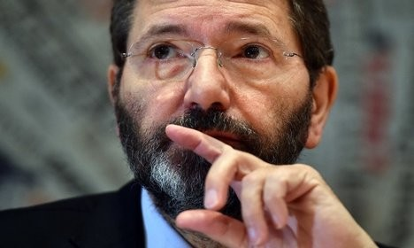 Rome mayor resigns after expenses row