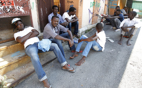 Italy's migrant 'hotspots' face tough tests