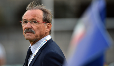 Italy team tries to rebuild after World Cup flop