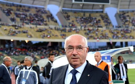 Italy football chief 'insults Jews and gays'