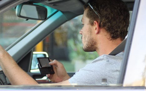 No fine for 'urgent call' while driving: Italy court
