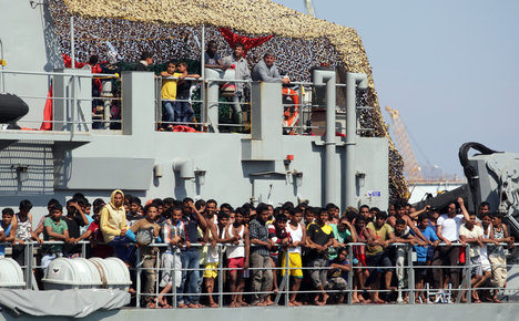 Nearly 2,000 migrants rescued off Libya