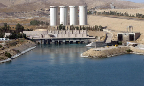 Italy to send 450 troops to protect Iraq dam