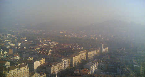 Smog: Italian cities offer free bus and metro rides