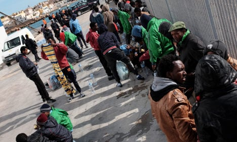 Italy: thank us for refugee help – don't sue
