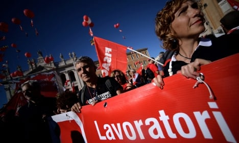 Italian unemployment rate goes up again in December