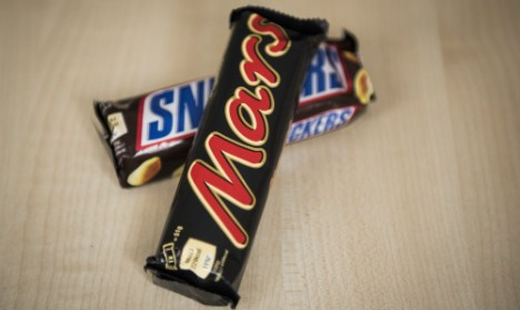 Mars and Snickers recalled in Italy over plastic fears