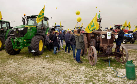 Farmers protest as prices plunge for 'Made in Italy'