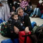 EU 'must take 6k refugees a month' from Italy and Greece