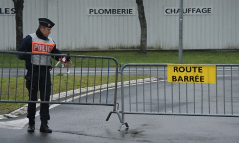 Two Italians injured in crash that killed 12 in France