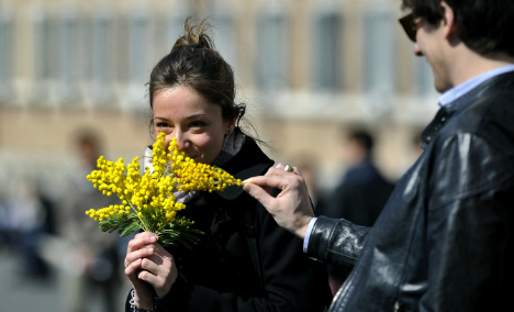 Italy mayor hands out pepper spray to 'protect women'