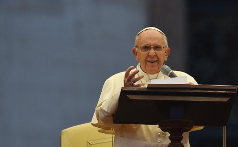 Pope opts for status quo in Church view on gay unions