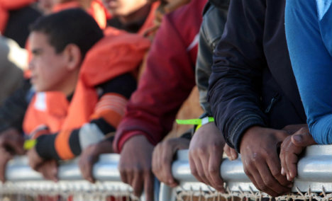 Germany tells Italy to stem migrant flow to north Europe