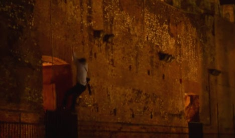 German tourists illegally scale Colosseum in night-time stunt