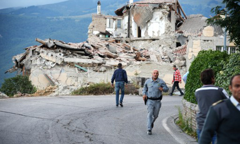 Renzi vows to restore quake towns to former glory