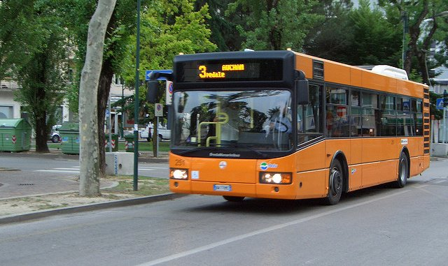 Italian mayor defends request for refugees to use separate buses