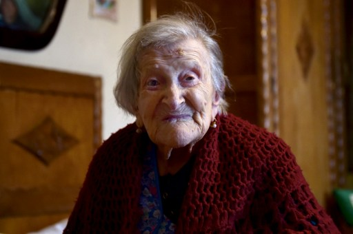 Does my hair look OK? World's oldest person turns 117 in style