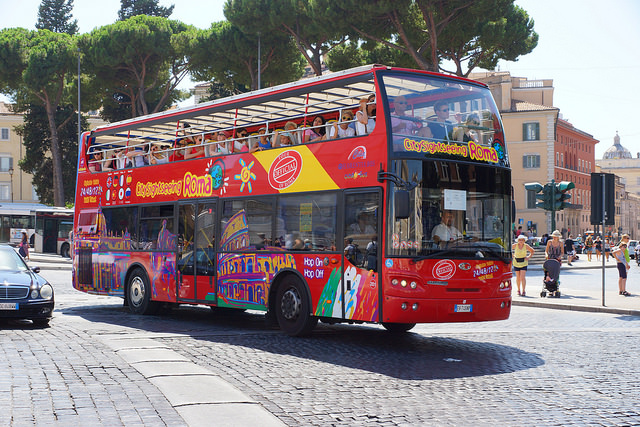 Rome cracks down on tourist buses in historic centre