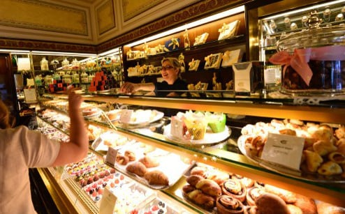 This map shows where to find the best desserts in Italy