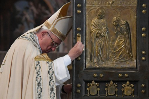 Pope Francis grants priests the right to forgive abortion