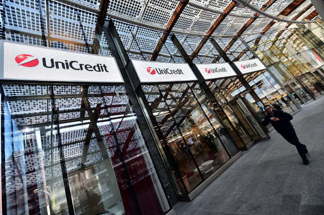 UniCredit to slash jobs and seek €13bn from investors