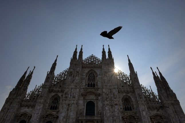 Man dead after falling from Milan cathedral terrace