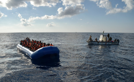 Another 900 migrants rescued in Med: Italian coastguard