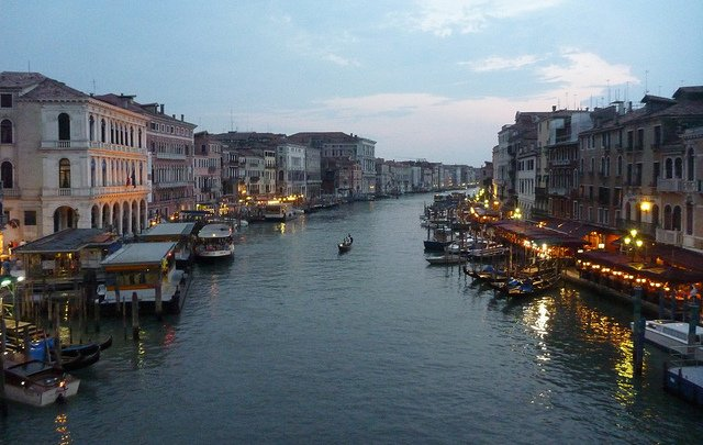 Venice to pay for funeral of migrant whose suicide was filmed by tourists