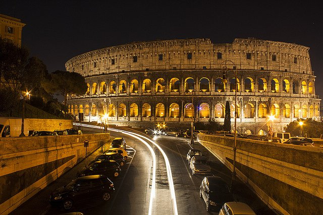 Tourists injured after breaking into Colosseum at night