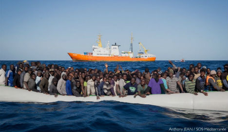 Italy rescues 550 migrants and two dead bodies in Med