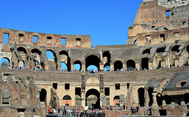 Archaeologists just discovered a medieval horse's head at the Colosseum