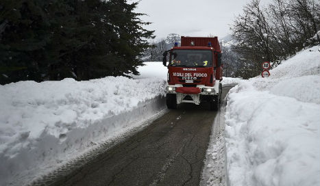 No signs of life on fourth day of Italian avalanche rescue