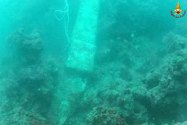 Divers find submerged Roman artefacts off Tuscan coast