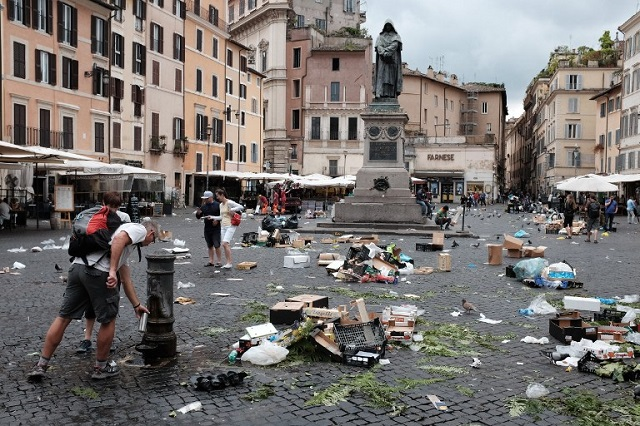 Italy faces EU fine over smog and waste management