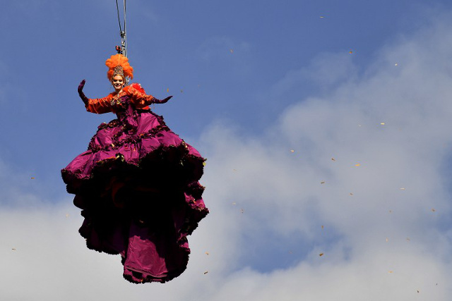 IN PICTURES: 'Flying angel' kicks off Venice Carnival