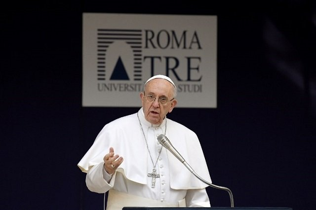 'Texting during meals is the start of war,' Pope tells young Italians
