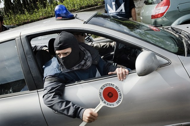 One of Italy's largest migrant centres was mafia-run, say police