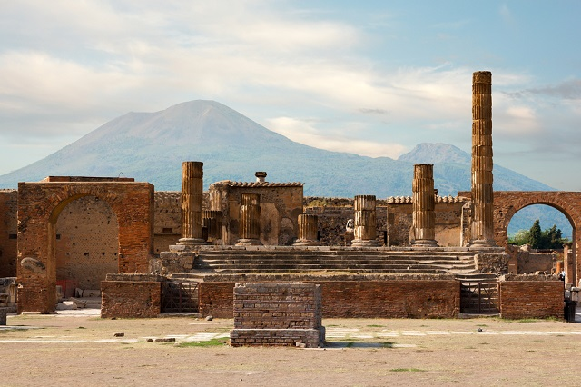 Thieves steal 6th-century ornament from Pompeii
