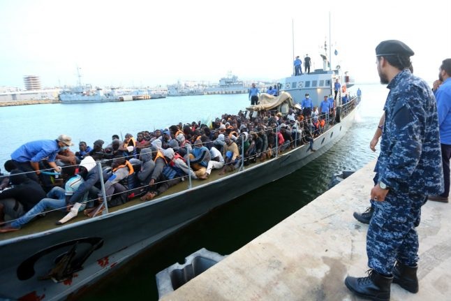 54 dead, some 10,000 migrants rescued between Libya and Italy in 4 days