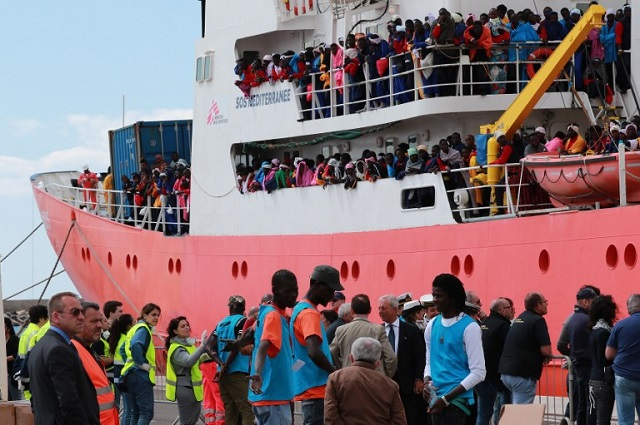 On World Refugee Day, 2,000 migrants are feared drowned en route to Italy