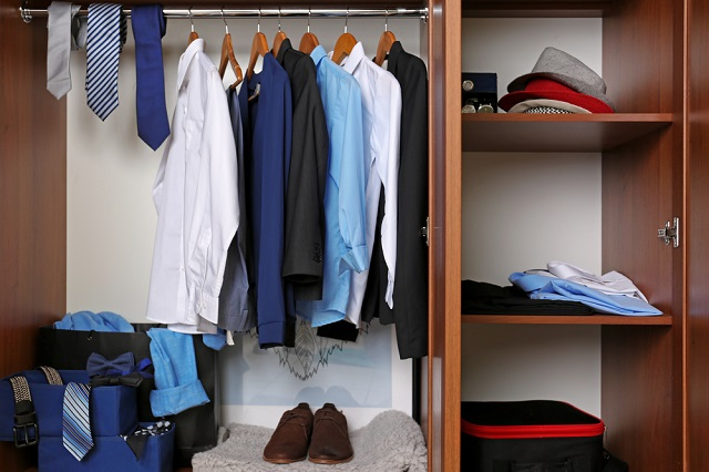 Sicilian fugitive found in wardrobe – after giving himself away with visit to his mum