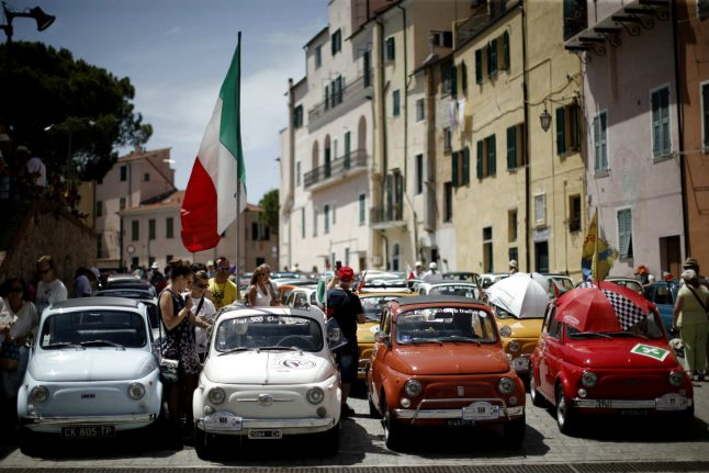 1,200 Fiat 500s mass for iconic car's 60th birthday