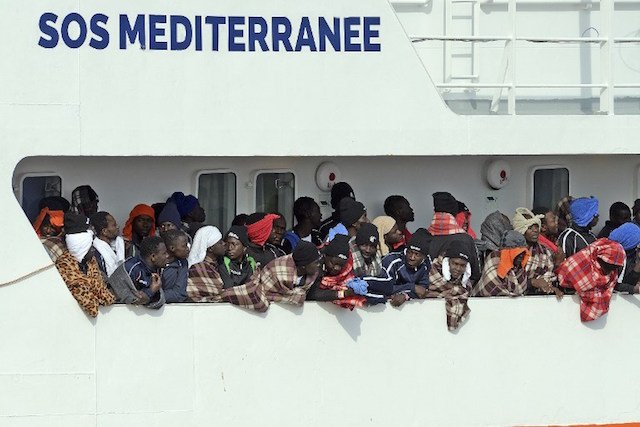 UN refugee chief says Italy needs support helping migrants