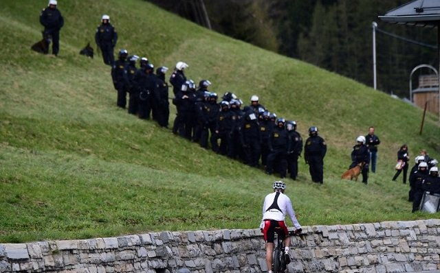 Austria plans to deploy soldiers at Italian border