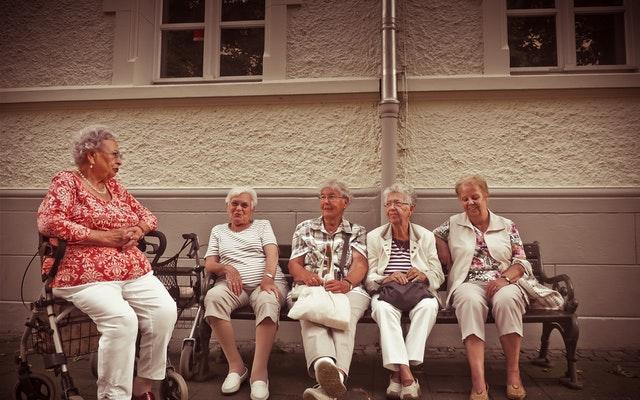 Growing old in Italy: Italians live longer but suffer more