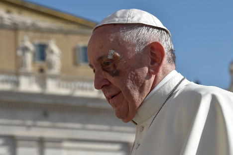Pope Francis to wage war on 'fake news'