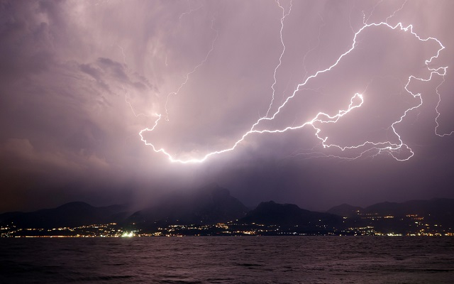 Widespread thunderstorms to batter Italy this weekend