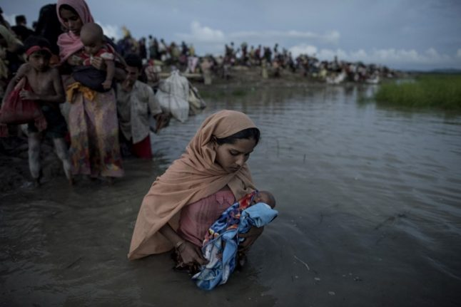 Pope Francis to meet Rohingya refugees