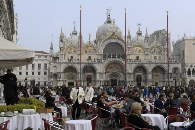 Venice mayor hits back at 'cheapskate' tourists over price complaints